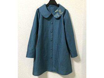 襟に刺繍のハーフリネン単コートの画像