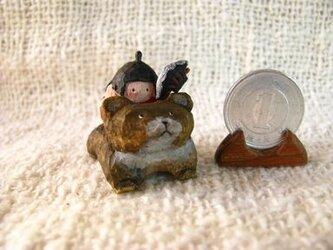 小さな小さな金太郎+くまさん 木彫りの画像