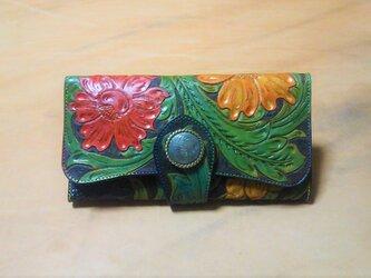 高級ヌメ革使用の三折り財布 オリジナルカービング (黒色)の画像