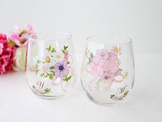 【イニシャル入り】フラワーブーケペアグラスの画像