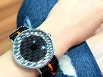 ナイロンベルト スポーティー腕時計 *ブラック* <u-001>の画像