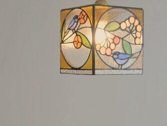 鳥と花、正方形のペンダントランプの画像