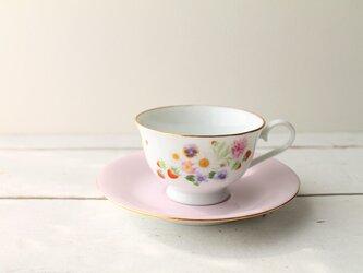 苺のティーカップの画像