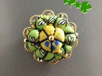 レトロなハチ模様の花のマグネットの画像