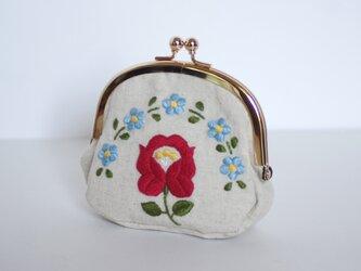 花刺繍のがま口 生成の画像
