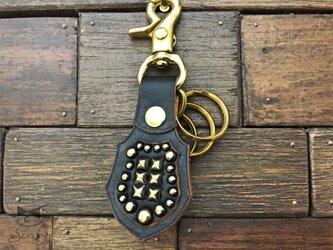 真鍮スタッズでロックなキーホルダー 黒(茶芯)の画像