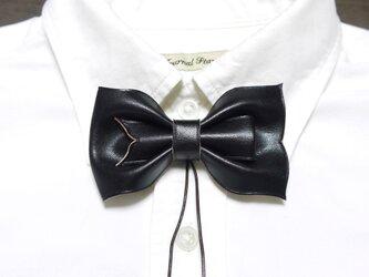 ループ付き 革 蝶ネクタイ 黒の画像