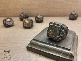 メキシカンレザーリング インディアンスカル 四角型 黒(茶芯)の画像
