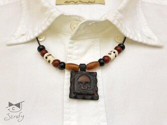 メキシカンレザーネックレス スカル 四角型 黒(茶芯)の画像