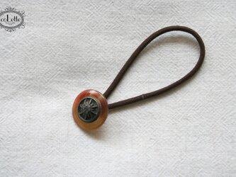 フランスアンティーク・ボタンへアゴム/フラワー模様・べっ甲(AFB-049)の画像