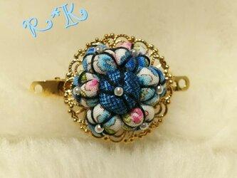 ブルーの花模様の小のバレッタの画像