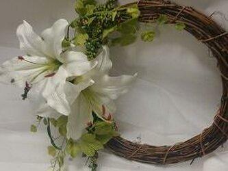 美しい百合のリース  「蓼科」の画像