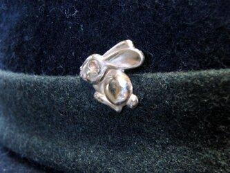 真鍮製 ラビット(うさぎ)型ピンズブローチ 結婚式・シャツジャケットやハットの飾りにの画像