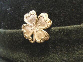 真鍮製 四つ葉のクローバー型ピンズブローチ 結婚式・シャツジャケットやハットの飾りにの画像
