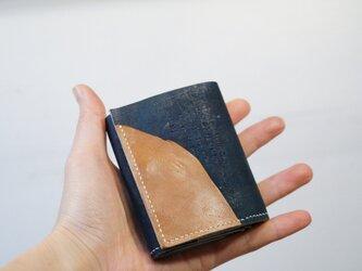 ★手染め手縫い★山羊革の小銭入れがガバッと開く三つ折り財布の画像