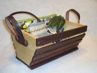 (現品のみ)本革取っ手をあしらった 無垢の木ウッドボックスの画像