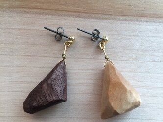 Touch of wood pirced earrings-cの画像