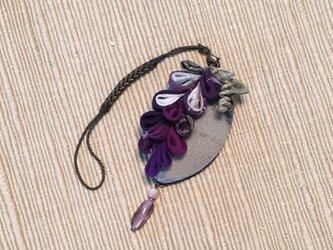 藤の花の帯飾り(根付)の画像