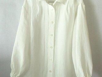 上質のベルギーリネンの白いシャツ(1)の画像