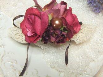 バレッタ バラとクリスマスローズ☆*:.フュッシャピンクの画像