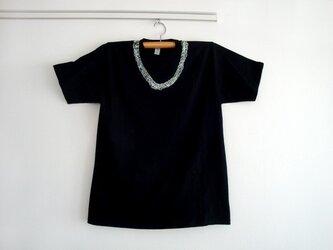 シロツメネックレスTシャツ(MENS/ブラック)の画像