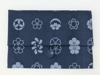 御朱印帳ケース~本藍染 家紋柄(桜尽くし)の画像