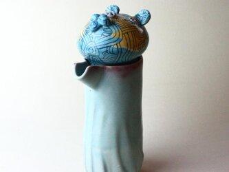 アフリカ帰りの熊のポット /青磁/ 磁器 / ティーポット/陶芸家 / ceramic art / teapotの画像
