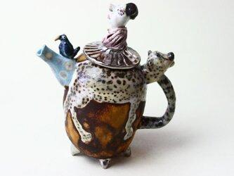 女王さまのティーポット/ 磁器 /陶芸家 / 愉しいティーポット /art teapotの画像