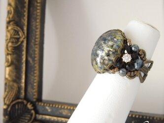 クラシカルなチェコガラス指輪の画像