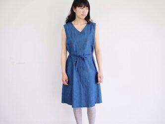 エシカルヘンプVネックリボンワンピース カレン族藍染め 藍色の画像