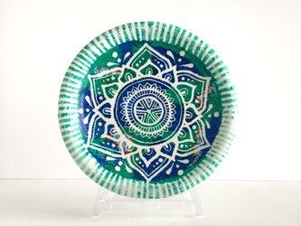 【陶器】モロッコ風曼荼羅柄 グリーンとブルーの飾り皿 インテリアにおすすめ 世界で1つの一点物の画像
