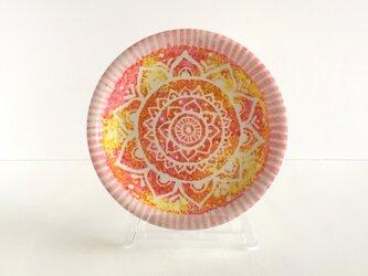 【陶器】モロッコ風曼荼羅柄 ピンクとオレンジの飾り皿 インテリアにおすすめ 世界で1つの一点物の画像