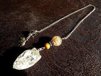 ヒマラヤ水晶原石&ゴールドルチル・ペンジュラムの画像