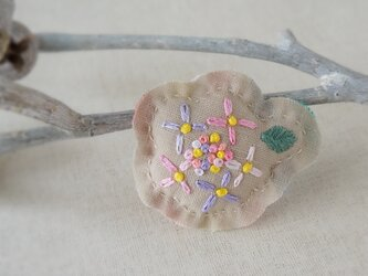 手刺繍ブローチ「紫陽花ピンク」[受注制作]の画像