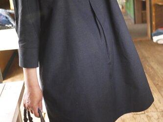 濃紺結城紬と黒結城紬のワンピースの画像