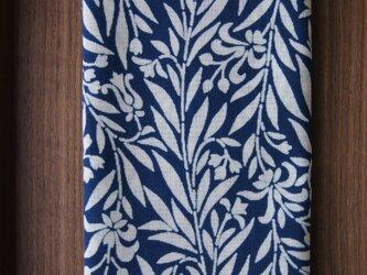 天然藍の型染め手拭いの画像