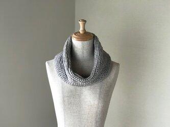 手横編機で作った・美濃和紙糸のスヌード ベージュの画像