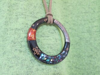 蒔絵ペンダント 輪の画像