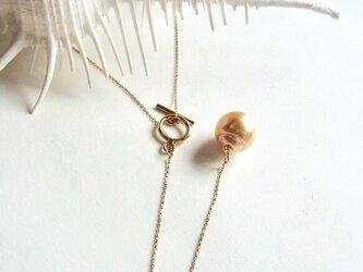 ゴールドカラー大粒南洋真珠のラリアットネックレス(K10、K14GF、南洋真珠)の画像