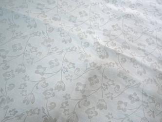 オパール加工植物柄ベージュポリ混約113×520cmの画像