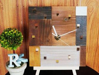 アンティークな木の時計・寄せ木verの画像