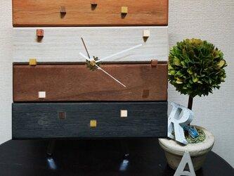 アンティークな木の時計・カルテット(4色仕上げ)の画像