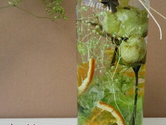 ハーバリウム オレンジスライスとライムグリーンのバラ♪の画像