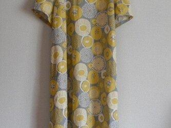 綿麻の半袖ワンピース グレーの画像