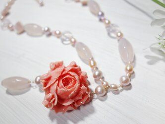 Rose Coral NECKLACEの画像