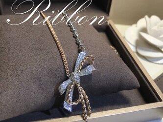 リボン型ネックレスの画像
