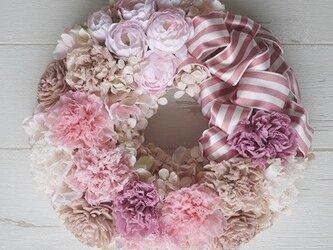 ふんわりカーネのプリザリース pinkの画像