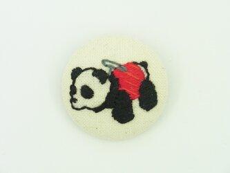 パンダカーの刺繍ブローチ【赤】の画像