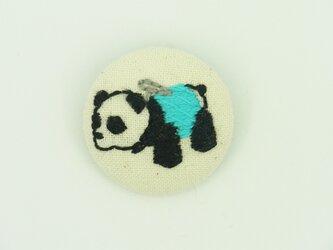 パンダカーの刺繍ブローチ【水色】の画像