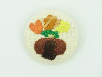 ハンバーグの刺繍ブローチの画像